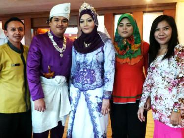 derhu_carousel_malay_wedding2