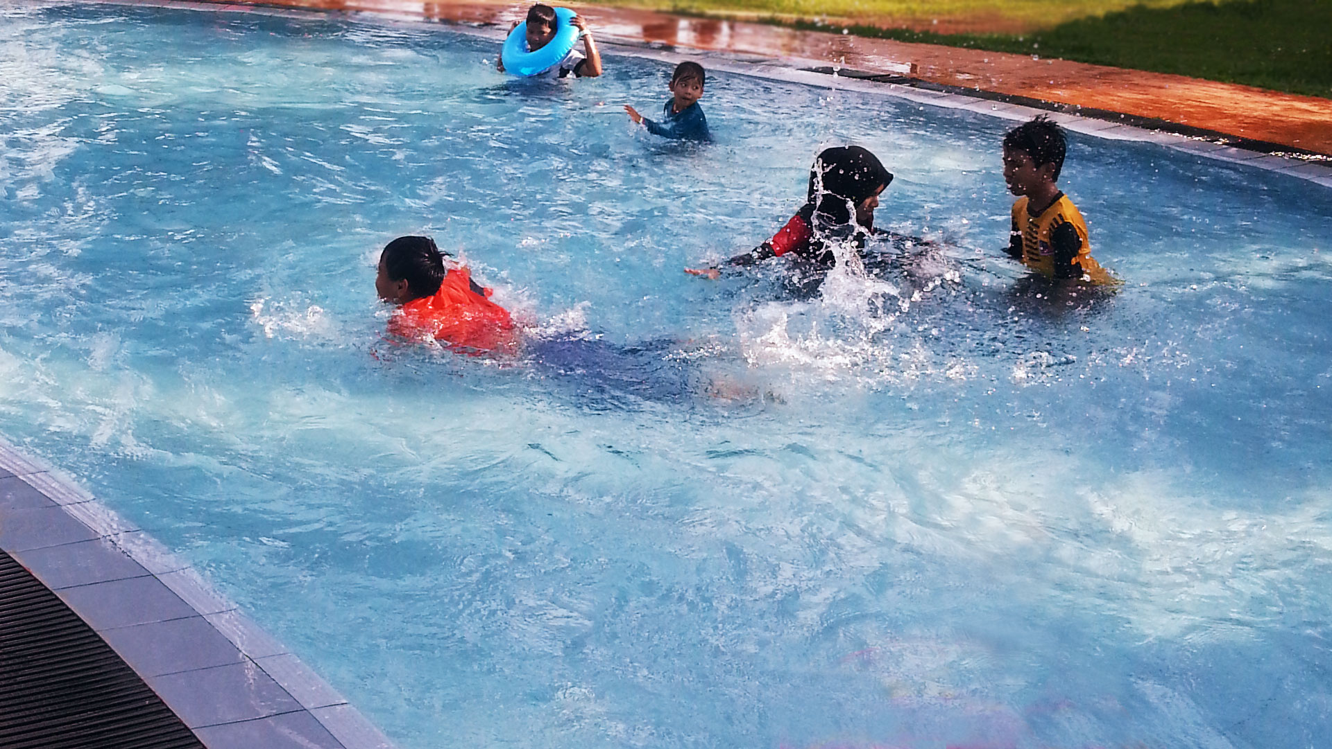 slider17_pool